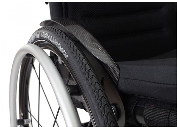 Karbonowe boczki do wózków inwalidzkich